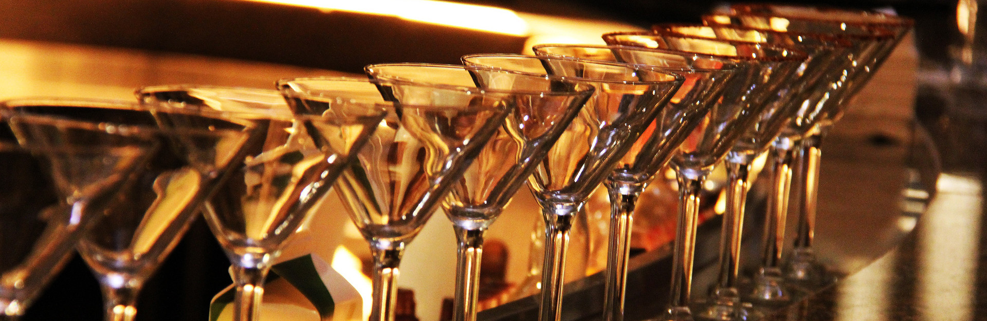 1920x650_martini-glass-623438